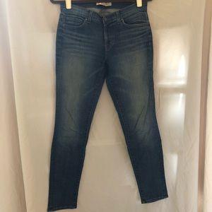 J BRAND Mid Rise Skinny Leg Jeans in Songbird